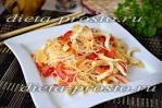 Салат с фунчозой и кальмарами