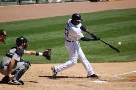 Baseball Images?q=tbn:ANd9GcQNRtzZAWtroIDuvWKnmd1xObeA_G0RhibiFmUtz-twuTGpeJzcMQ
