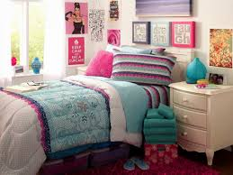 l charming teenage girls bedroom design with beauteous wall art decor and twin size bed completed with lovely comforter set as well as cream painted charming kid bedroom design