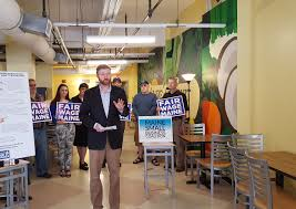 report shows maine falling behind in providing living wage jobs 500 maine small businesses back minimum wage referendum