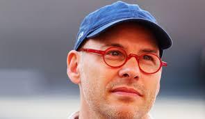 Der frühere Formel-1-Weltmeister Jacques Villeneuve hat die Scuderia Ferrari ...