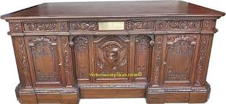 amazoncom white house oval office president resolute desk kitchen dining amazoncom white house oval office