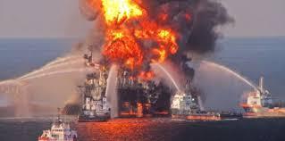 فيرا كروز - اندلاع حريق في ناقلة نفط تابعة لشركة بيمكس في خليج المكسيك