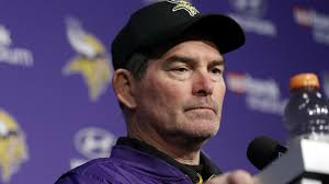 houston tv reporter unwittingly interviews adrian peterson man access vikings mike zimmer scheduled for two more