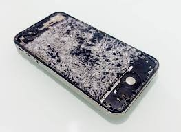"""Képtalálat a következőre: """"összetört telefonok"""""""