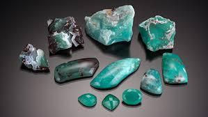 A New <b>Natural</b>-Color Bluish Green <b>Chalcedony</b> | Gems & Gemology