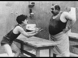 <b>Чарли Чаплин</b> - Лечение (1917) - (piano score; субтитры) - YouTube