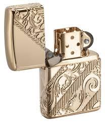 <b>Лимитированная зажигалка ZIPPO Armor</b>® с покрытием Gold ...