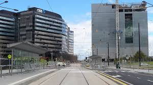 when all staff have moved in it will house 6500 people and with that becomes the largest office building in australia anz office melbourne