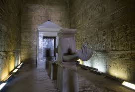 Risultati immagini per tempio di Edfu interni