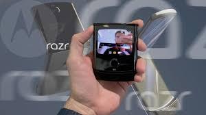 <b>Motorola</b> RAZR (2019) с гибким экраном: первое видео - YouTube