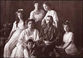 「ロシア革命: ロシア・エカテリンブルクのイパチェフ館に監禁されていた元ロシア皇帝ニコライ2世とその家族らがボリシェヴィキにより銃殺」の画像検索結果