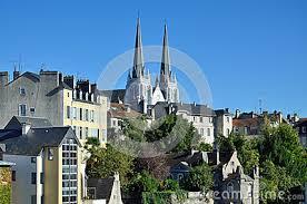 Resultado de imagem para Cidade francesa Pau