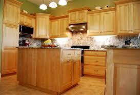 Honey Maple Kitchen Cabinets Kitchen With Maple Cabinets Maple Kitchen Cabinets In Brown With