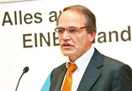 Jürgen Barthofer und Andreas Schneiderbauer beeindruckten bei der Live OP mit der All Inside-Technik - brille