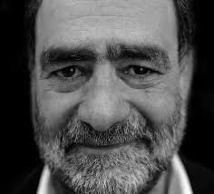 El fotógrafo, publicista, periodista y ensayista Joan Fontcuberta./David Ruiz/Bravo Girona. La exposición A través del espejo que está itinerante por ... - periodista-Joan-FontcubertaDavid-RuizBravo-Girona_EDIIMA20130209_0005_13
