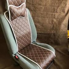 <b>Универсальные накидки на передний</b> комплект сидений...