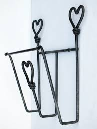 magazine rack wall mount: heart design wall mounted magazine rack