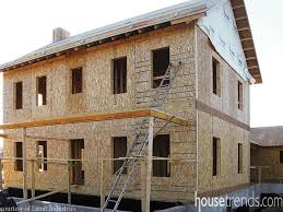 House plans go green   Structural Insulated PanelsHome design keeps a building air tight