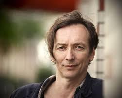 <b>Volker Bertelmann</b> aka Hauschka ist mit seiner experimentellen Piano-Musik <b>...</b> - onlineImage