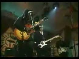 Tracy Chapman and <b>Eric Clapton Give</b> Me One Reason - YouTube