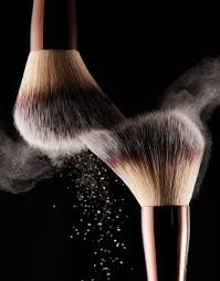 <b>Veil</b>™ <b>Retouching</b> Fluid – <b>Hourglass</b> Cosmetics