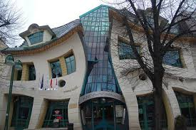 Small Picture Unusual and Bizarre Building Designs noupe