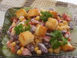 Картинки по запросу Как приготовить праздничный салат с фасолью, сыром и сухариками