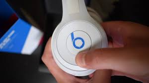 Unboxing <b>Beats Solo3 Wireless Club</b> Collection - YouTube