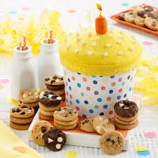<b>Wishes Come True</b> Cupcake Box | Mrs. Fields®