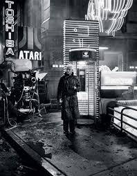 rutger hauer on the set of blade runner oldschoolcool rutger hauer on the set of blade runner 1982