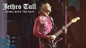 <b>Jethro Tull</b> - Aqualung (Living With The Past) - YouTube