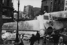 「1960, airplanes crashed in air in new york」の画像検索結果