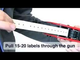 Как вставить <b>этикет ленту</b> в этикет пистолет - YouTube