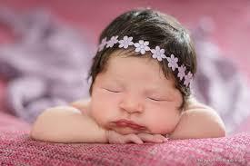 Resultado de imagem para bebês recém nascidos