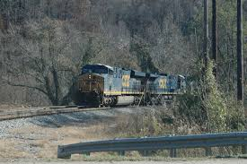 nc trip 2010 checking out the jct on csx up at pineville ky we were surprised by a 4 unit light engine set going south toward middlesboro this is a going away view