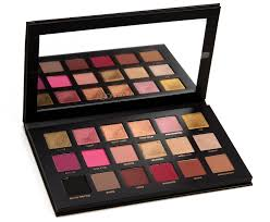 <b>Huda Beauty Rose</b> Gold Remastered Eyeshadow Palette Review ...