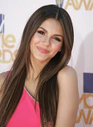 Victoria Justice Height - How Tall
