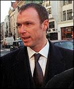 [ image: Gary Kemp arrives at London's High Court] - _270259_gary_kemp150