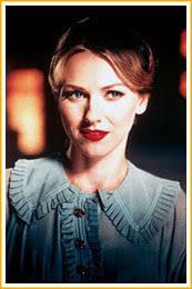 Naomi Watts como Diane Selwyn en el espejo convexo. Es cierto que en la película coexisten varias subtramas paralelas que se pisan unas a otras. - mulholland2