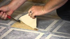 How To Replace A Kitchen Floor How To Remove Laminate Square Floor Tiles Flooring Maintenance