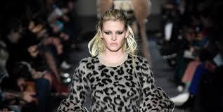 Max Mara Goes <b>Punk</b> | <b>Fashion Show</b> Review, Ready-to-<b>Wear</b> ...