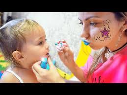 Мия просит <b>косметику</b> у <b>мамы</b>. Дочка как <b>мама</b>! Мия и я ...