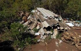 Resultado de imagen de abandono de uralitas amianto