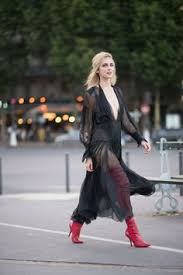 10+ Ways to Wear Over-the-Knee Boots | Street style | Fashion boots ...