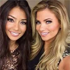 Photo of Amber Lancaster & her friend model  Manuela Arbelaez - The Price is Right