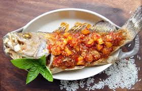 authentic thai dishes and how to spot their fake versions food devour this whole fried fish traditional sweet sour and spicy sauce