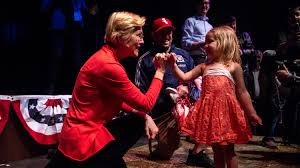 Election 2020: Elizabeth Warren aims to inspire girls with <b>pinky</b> ...