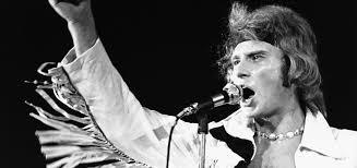 À la ville, à la scène : le style rock de <b>Johnny Hallyday</b> - Madame ...