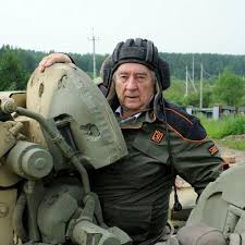 Картинки по запросу проханов в танке